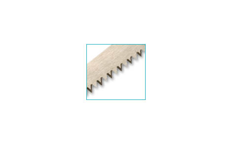 FRET SAW WITH TRIANGULAR SHAPED TEETH