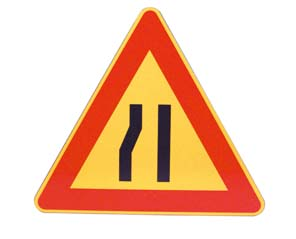 TRIANGLE – ROAD NARROWING LEFT
